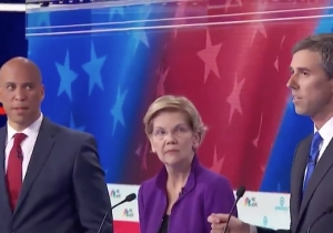 Cory Booker's Face When Beto O'Rourke Spoke Spanish At The Democratic Debate Is Slaying People