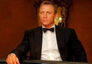 'Bond 25' Hopes To Dispel Everyone's Worries With This Photo Of Daniel Craig Working Out