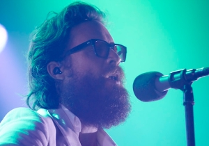 Father John Misty Played His Rejected 'A Star Is Born' Song At A Show In Minneapolis