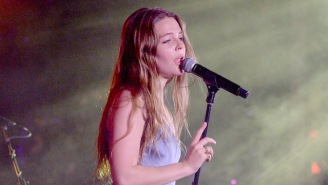 Maggie Rogers Performed The Warm And Bouncy 'Burning' On 'Ellen'