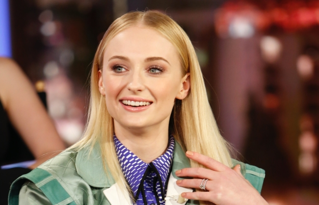 Sophie Turner Tries To End The Bottle Cap Challenge In A Hilarious Instagram Video