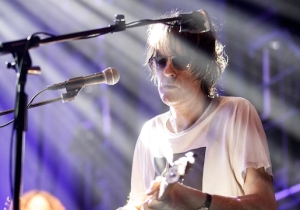Spiritualized Turned In A Slow-Burning Performance Of 'I'm Your Man' On 'The Late Show'