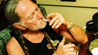 Willie Nelson Is Chief Tester At His Own Weed Company, Reminding Us That Dream Jobs Exist
