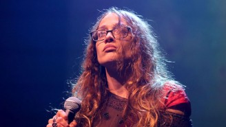 Fiona Apple Is Donating Her 'Criminal' Royalties To Support Refugees