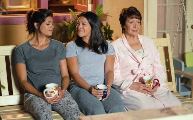 What's On Tonight: 'Jane The Virgin' Ends, And 'Four Weddings And A Funeral' Comes To Hulu