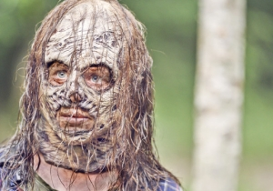 AMC Offers Its First Unmasked Look At Thora Birch In Season 10 Of 'The Walking Dead'
