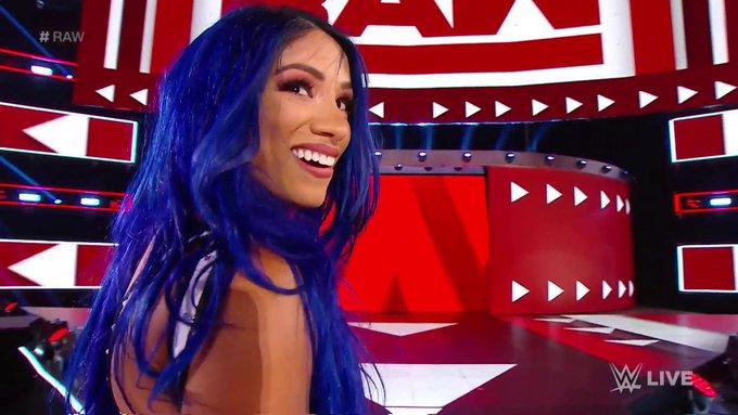 Αποτέλεσμα εικόνας για sasha banks blue hair