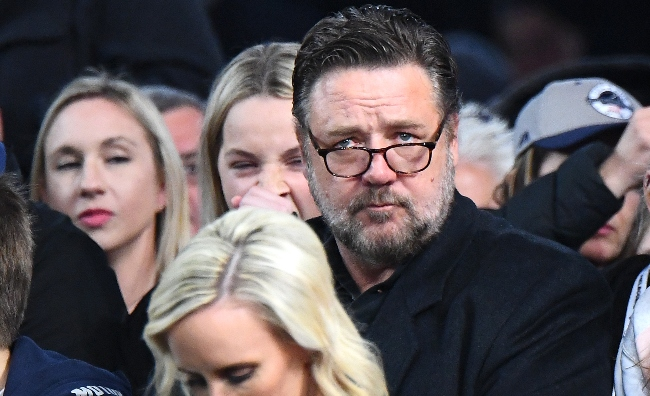 Russell Crowe Was Furious About The Horrible Courtside Seats For Australia's Scrimmage Against Team USA
