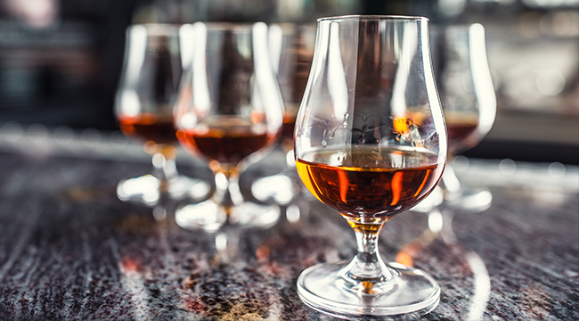 The Best Bourbons For Novices, According To Bartenders