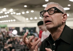 Jeff Goldblum Got His Own Disney+ Show Where He Roams The World Being Interested In Random Things