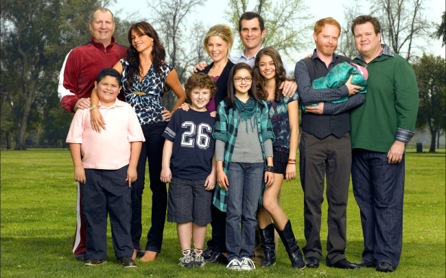 The 'Modern Family' Cast Recreated A Decade-Old Photo For