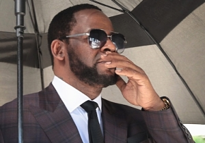 R. Kelly Pleads 'Not Guilty' To Child Sex Charges In His New York Federal Case
