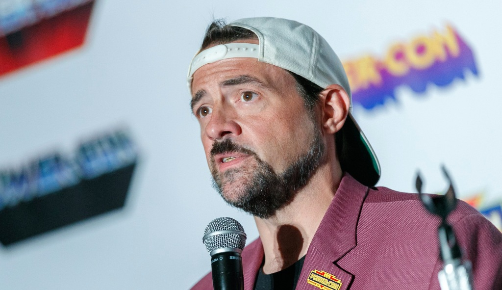 Kevin Smith Criticized A Weight Loss Ad For Using His Infamous 'Jorts' Image Without Permission