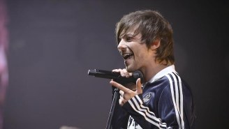 Louis Tomlinson Rocks Out To A Rowdy Crowd In The Scenic 'Kill My Mind' Video
