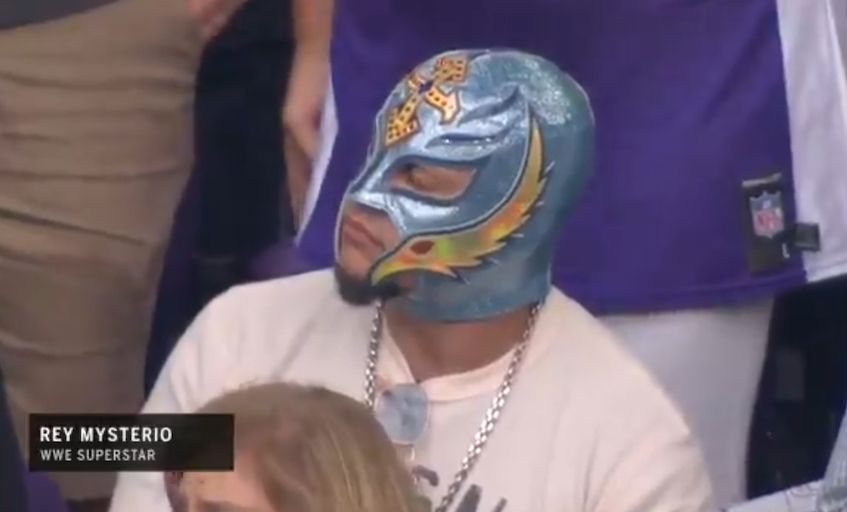 Fox Sports Announcers Made Fun Of Rey Mysterio During His Appearance At An NFL Game