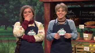 The Best Sketch From The 'SNL' Season Premiere Was About Apple Picking