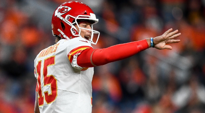 Patrick Mahomes' MRI Reportedly Showed 'A Best-Case Scenario' For His Knee Injury
