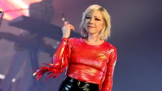 Carly Rae Jepsen Honors No Doubt's '90s Classic 'Don't Speak' With A Faithful Cover
