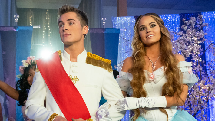 Netflix's 'Insatiable' Season 2 Trailer Adds Murder And Beauty Pageants To The 'Messy' Mix
