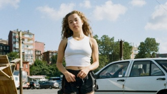 Nilüfer Yanya Is In Pursuit In Her Video For 'H34T RISES,' A Reworked 'Miss Universe' Song