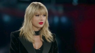 Taylor Swift Sings The Names Of All 50 US States To Blake Shelton On 'The Voice'
