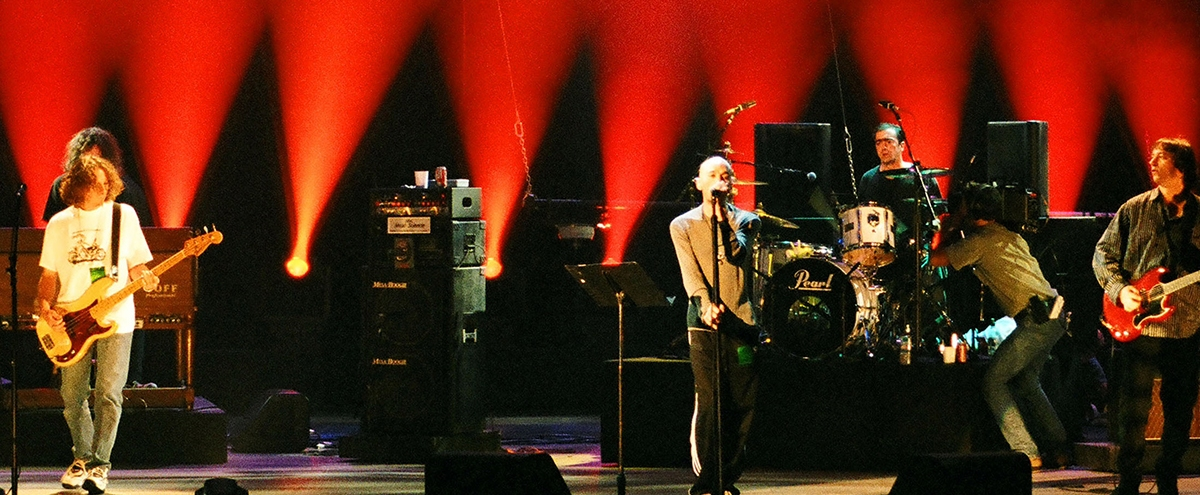 How R.E.M.'s 'Monster' Signaled The End Of Alternative Rock