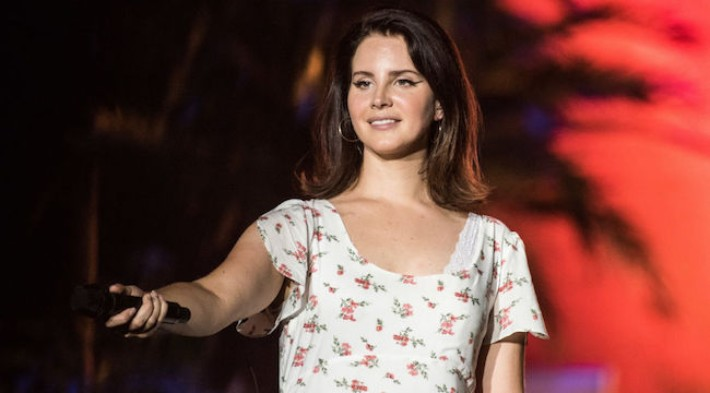 Lana Del Rey Joined Her Openers Lucy Dacus And Best Coast On Stage In Chicago To Sing Duets