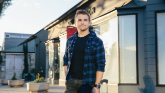 How Country Star Hunter Hayes Uses Gifts To Tell A Story