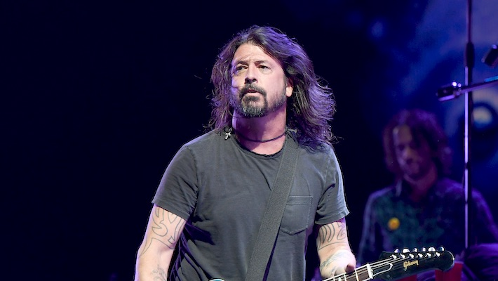 Dave Grohl Shotgunned A Beer With A Foo Fighters Fan Dressed As Santa Claus