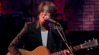 Sharon Van Etten And Norah Jones Harmonize For A Soaring Duet Of 'Seventeen' On 'The Late Show'