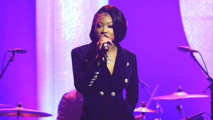 Summer Walker Shines In A Buttoned-Up 'Tonight Show' Performance Of 'Playing Games'