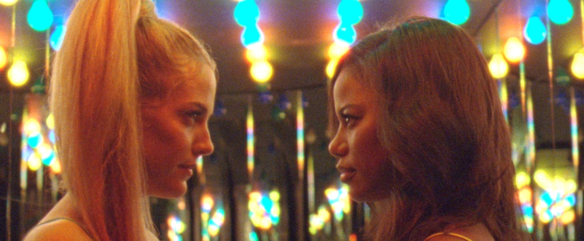 'Zola' Is An Extremely Online Tale Of Strippers, Sex Crimes, And Tweet Threads That Sundance Audiences Can't Stop Talking About