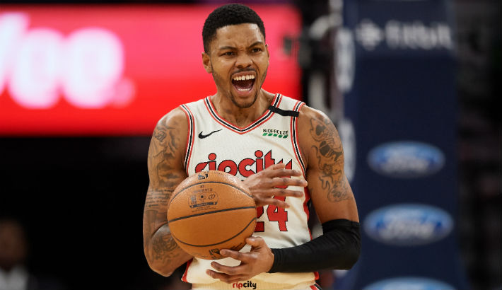 The Blazers Have Reportedly Traded Kent Bazemore To The Kings For Trevor Ariza
