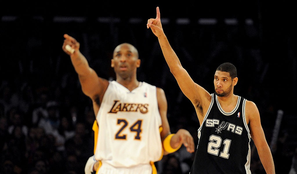 The Spurs And Raptors Took 24-Second Violations To Start The Game In Honor Of Kobe