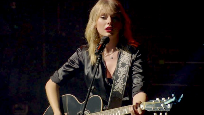 Taylor Swift's Acoustic Live Performance Video Of 'The Man' Is Intimate Yet Grand