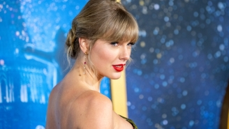 Taylor Swift Is Paying The Salaries And Healthcare Costs For Employees Of A Nashville Record Store