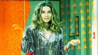 'Schitt's Creek' Star Annie Murphy On How 'A Little Bit Alexis' Went From Silly Banger To Pandemic Anthem