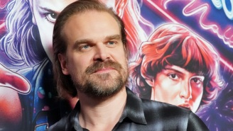 David Harbour Is Dunking On His Old 'The Newsroom' Character While On 'Apartment Lockdown'