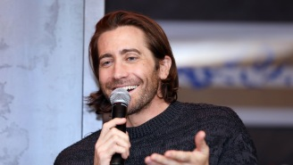 Jake Gyllenhaal Challenged Hugh Jackman To Do A Shirtless Handstand, But Didn't Get The Reply He Wanted