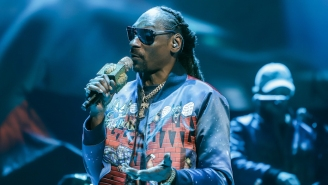 Snoop Dogg Questioned Ari Lennox's Choice To Wear A Wig And Fans Are Not Having It