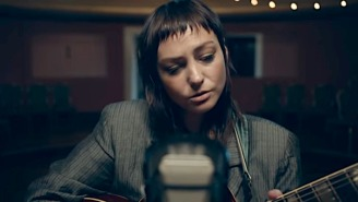 Angel Olsen Gives Her Intimate Single 'Whole New Mess' Its Late-Night Debut On 'Fallon'