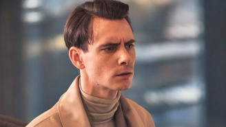 Harry Lloyd Tells Us Why Peacock's 'Brave New World' Is A 'Terrifying, Feasible' Dystopia
