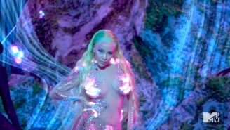 Doja Cat Gave An Intergalactic Performance Of Her Hits 'Say So' And 'Like That' At The 2020 MTV VMAs