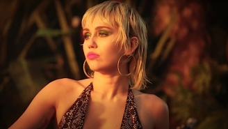 Miley Cyrus Serenaded 'MTV Unplugged' With A Soulful Cover Of Pearl Jam's 'Just Breathe'