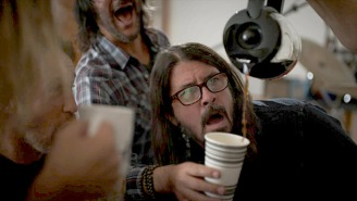Dave Grohl Revives His Classic 'Fresh Pots' Sketch For A Hilarious New Video