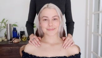 Phoebe Bridgers Gets A Relaxing 40-Minute ASMR Massage From A YouTuber