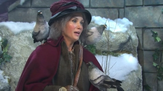 Kristen Wiig Played The Pigeon Lady From 'Home Alone 2' In An Alternate Ending Parody On 'SNL'