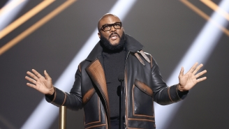 Tyler Perry Is Single, And His Buff 'Midlife Crisis' Selfie Led To Many Thirsty Replies