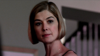 'I Care Alot' Proves That Deranged Rosamund Pike Is The Best Rosamund Pike