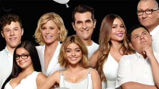 What's On Tonight: 'Modern Family' Is Streaming (In More Ways Than One)